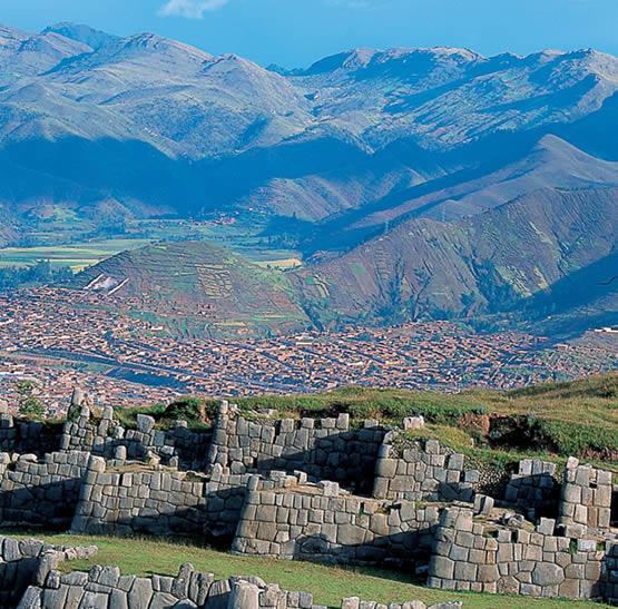 ¿Machu Picchu en Peligro? (espagnol) por Carmen Ponce