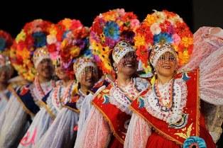 Vestido tradicional del Perú en el departamento de Ancash (espagnol) por Carmen Ponce